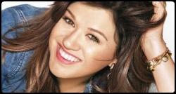 Kelly Clarkson em photoshoot para a revista Lucky