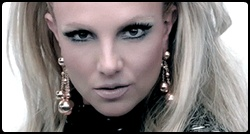 Britney em cena de Scream & Shout